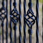 Najlepsze ogrodzenia dla budynku ma wpływ na zabezpieczenie